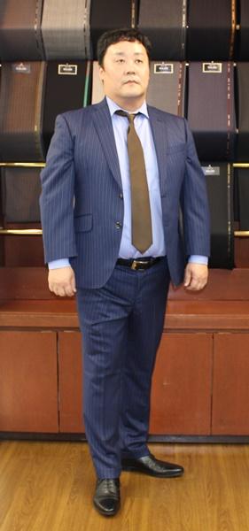 太っている方が体型に合ったスーツを着こなした場合の印象