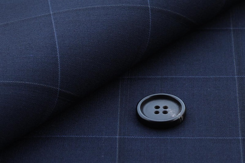 Suit Yaの紺(ネイビー)のチェック生地
