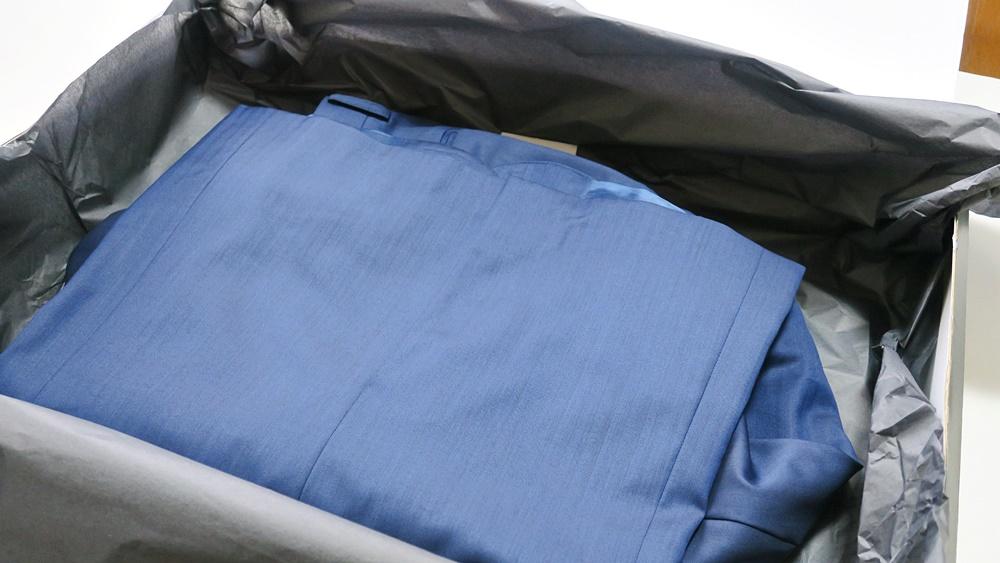 Suit Yaのオーダースーツ梱包の中