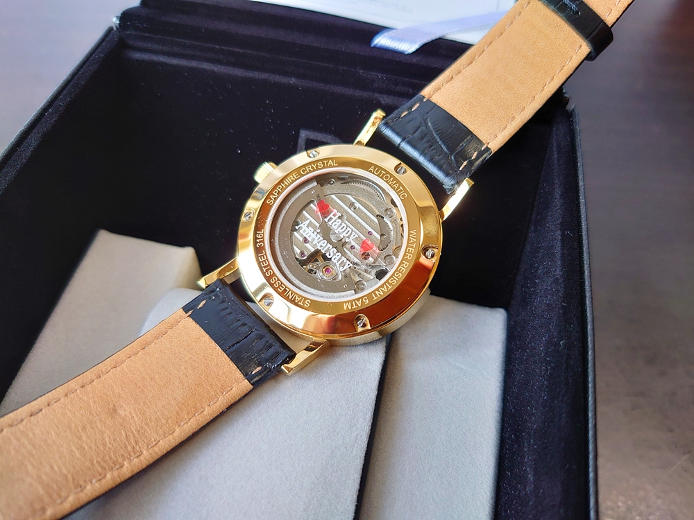 ルノータス 腕時計 バックケース 文字プリント