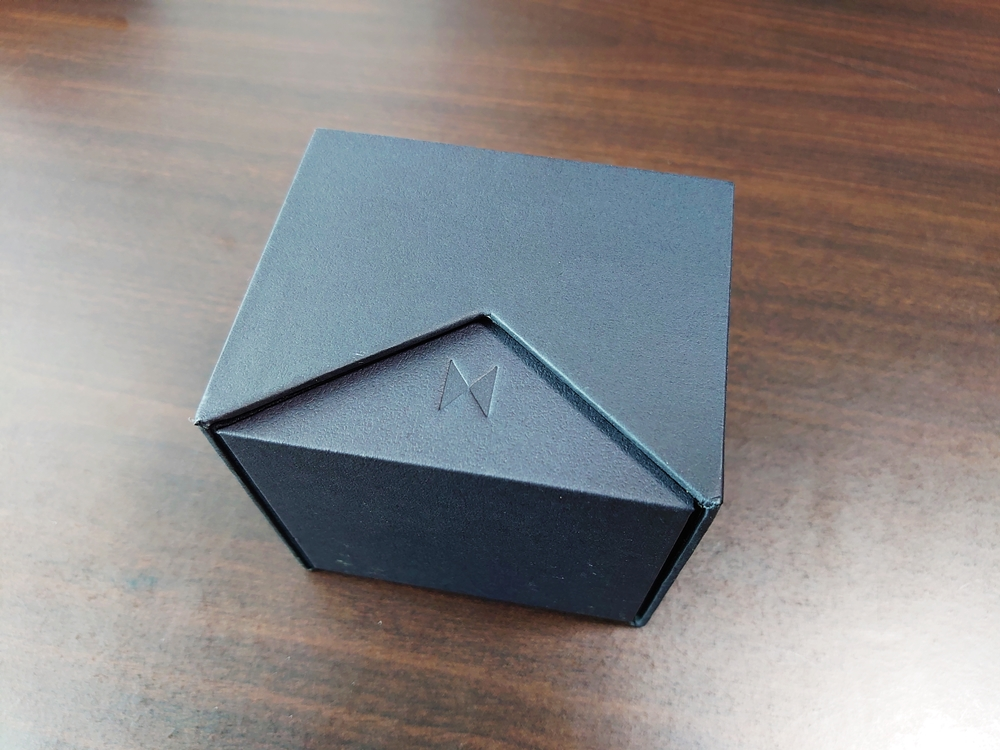 MVMT FIELD VERT ムーブメント フィールド ヴァート ブラックパッケージ ケース サイド