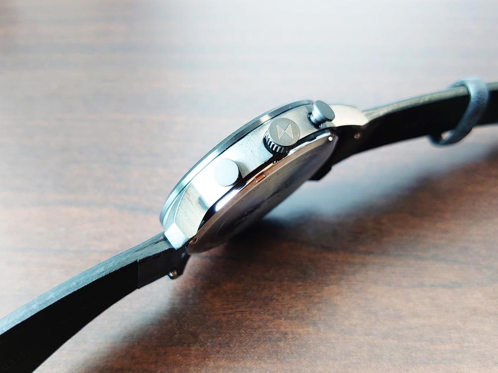 MVMT CHRONO BLACK LEATHER 45mm ムーブメント クロノ ブラックレザー ケースサイド リューズ