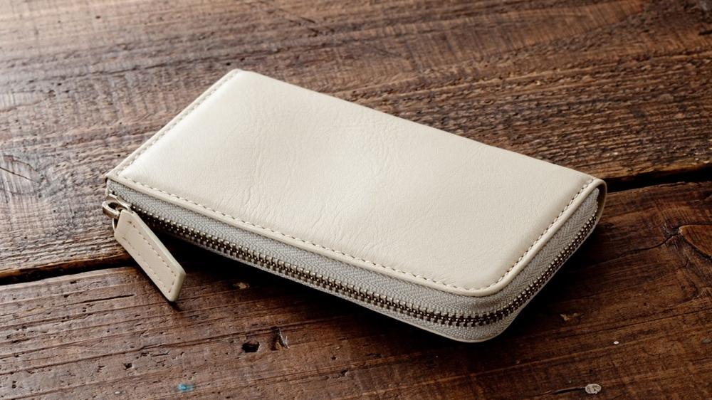 マルチウォレット ホワイトベージュ Business Leather Factory(ビジネスレザーファクトリー)
