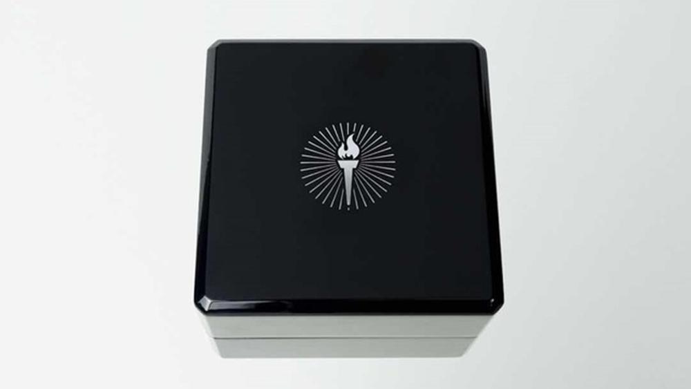 Prometheus(プロメテウス)Prometheusモチーフ 火 美しいピアノブラックカラー 高級感 専用ケース