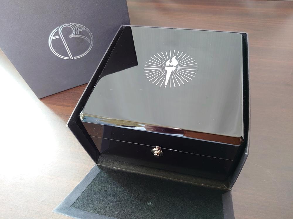 ERA Timepieces Prometheus(プロメテウス) Ogininal 手動巻き(プライムエディション)外箱 オープン