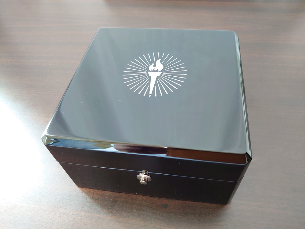 ERA Timepieces Prometheus(プロメテウス) Ogininal 手動巻き(プライムエディション 専用 高級ピアノブラックケース