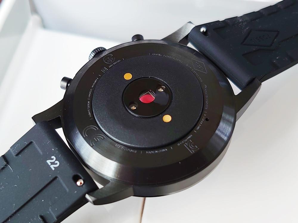 FOSSIL フォッシル スマートウォッチ ハイブリッドHR ブラックシリコン 背面センサー 充電プラグ