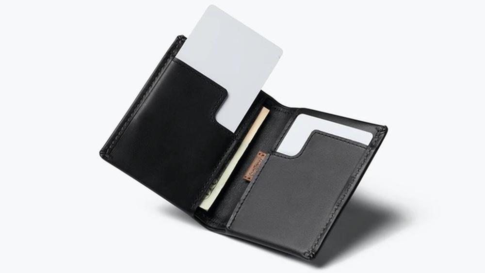 Bellroy Slim Sleeve Wallet ベルロイスリムスリーブウォレット 使用イメージ