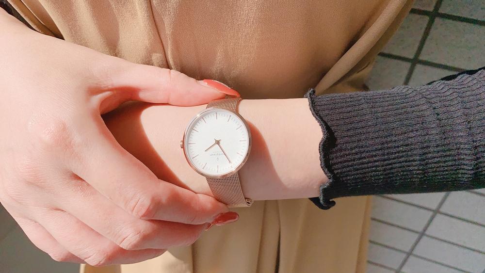 Nordgreen ノードグリーン Infinity インフィニティ ローズゴールド メッシュ(32mm)レビュー 女性 着用10