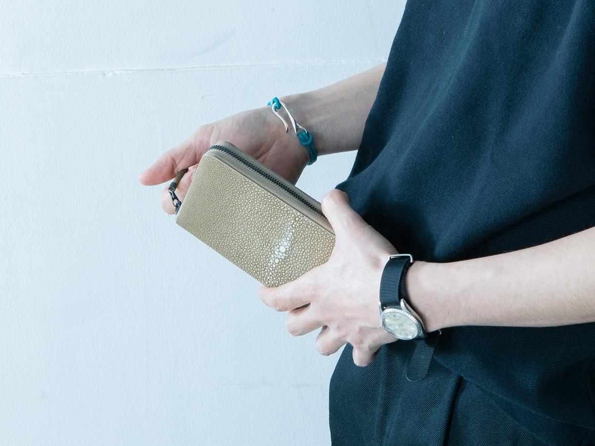Atelier AKNAS(アトリエ アクナス)ラウンドジップ長財布 メンズ