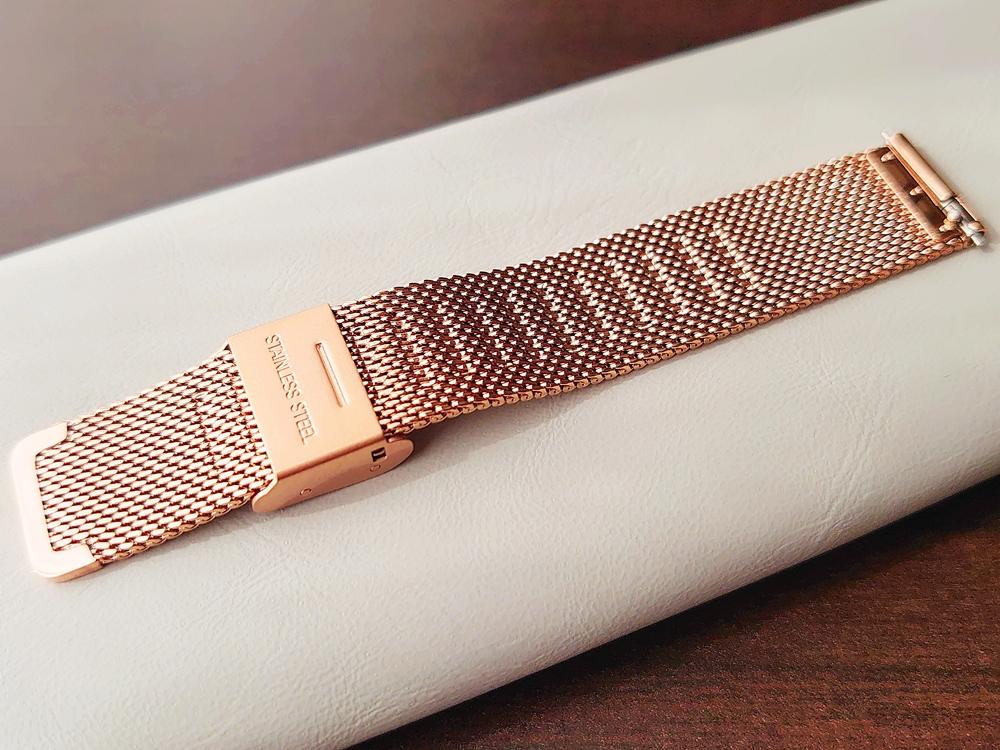 CLUSE クルース 腕時計 ローズゴールド ステンレスメッシュ ストラップ ベルト バックル 留め具 裏側 サイズくぼみ