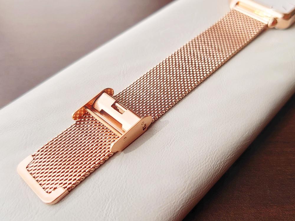 CLUSE クルース 腕時計 ローズゴールド ステンレスメッシュ ストラップ ベルト バックル 留め具