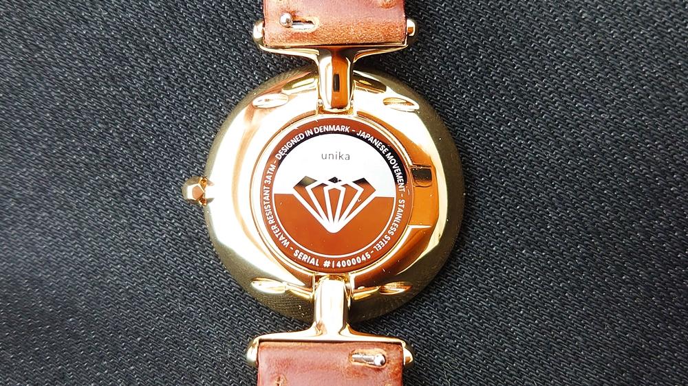 Nordgreen(ノードグリーン)Unika(ユニカ)ゴールドケース ホワイトダイヤル ブラウンレザー バックケース ダイヤモンドデザイン