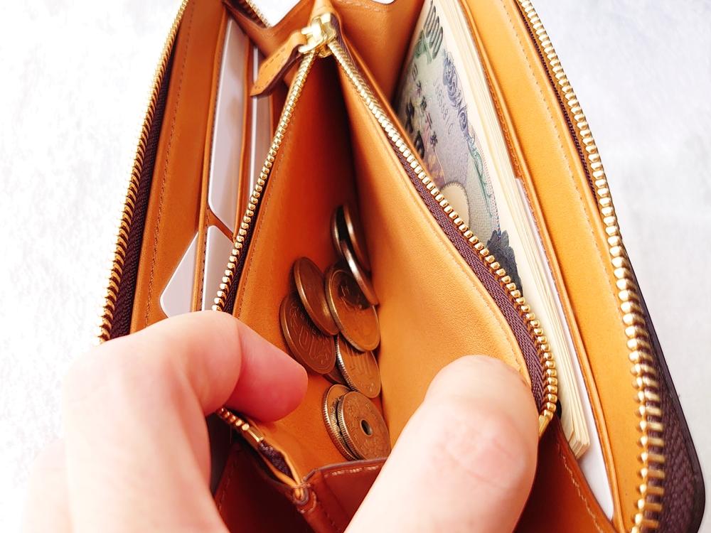 crafsto(クラフスト)ブライドルレザー「ラウンドファスナー長財布」ダークブラウン 大きく開く小銭入れ