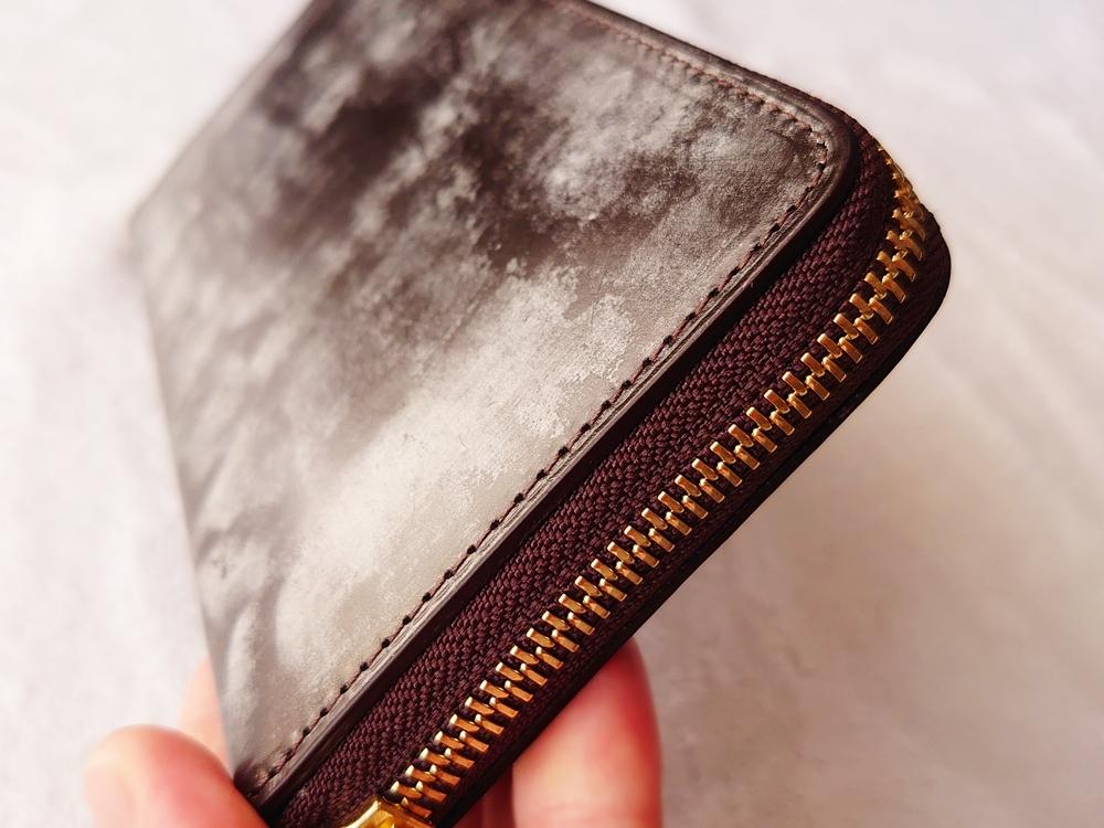 crafsto(クラフスト)ブライドルレザー「ラウンドファスナー長財布」ダークブラウン ステッチ 縫い目2
