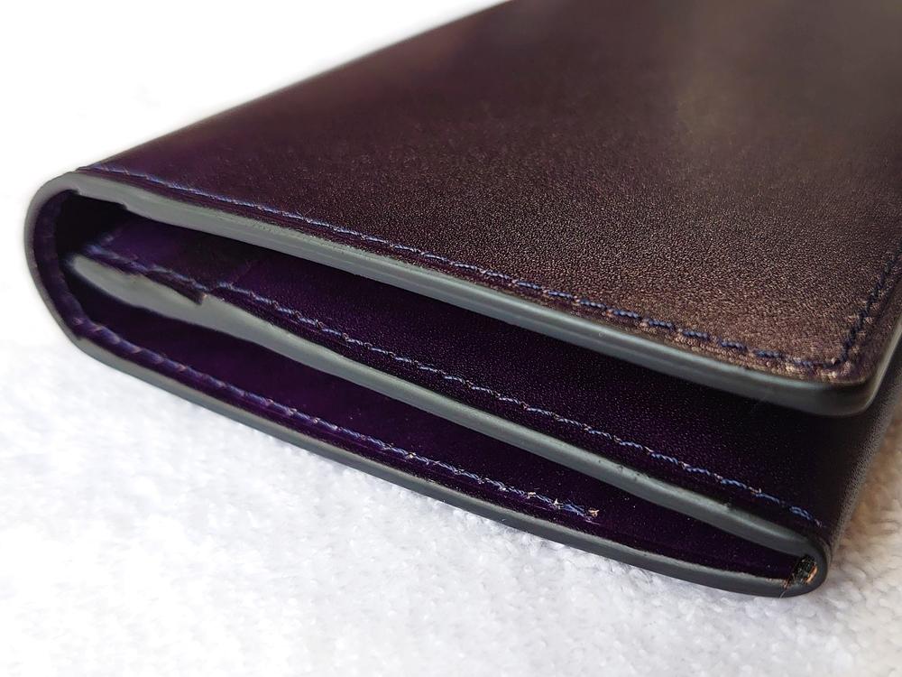 Orobianco(オロビアンコ)ファスナー付き長財布(品番:ORS-012608)ブラック コバの仕上げ