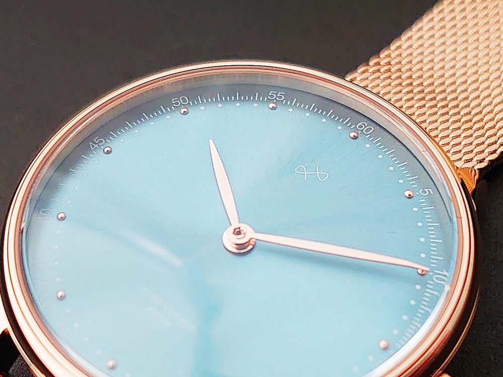 About Vintage(アバウトヴィンテージ)1969 PETITE ROSE GOLD BLUE SUNRAY ローズゴールメッシュ ダイアル デザイン
