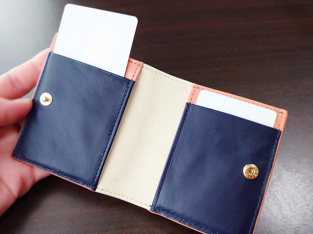 2つ折りエッジカラー財布(アシンメトリー)レビュー JOGGO(ジョッゴ)カード入れホールド感①