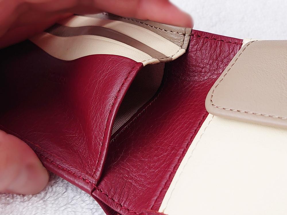 2つ折り財布(小銭入れ付き)ダークレッド レビュー JOGGO(ジョッゴ)フリーポケット左側