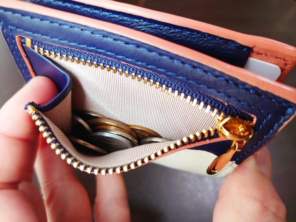 2つ折りエッジカラー財布(アシンメトリー)レビュー JOGGO(ジョッゴ)小銭入れ 片マチ付き 使い勝手
