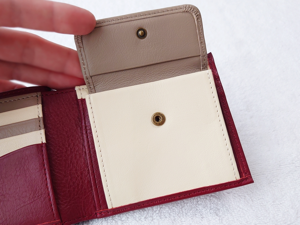2つ折り財布(小銭入れ付き)ダークレッド レビュー JOGGO(ジョッゴ)小銭入れ フタ付 ボタン