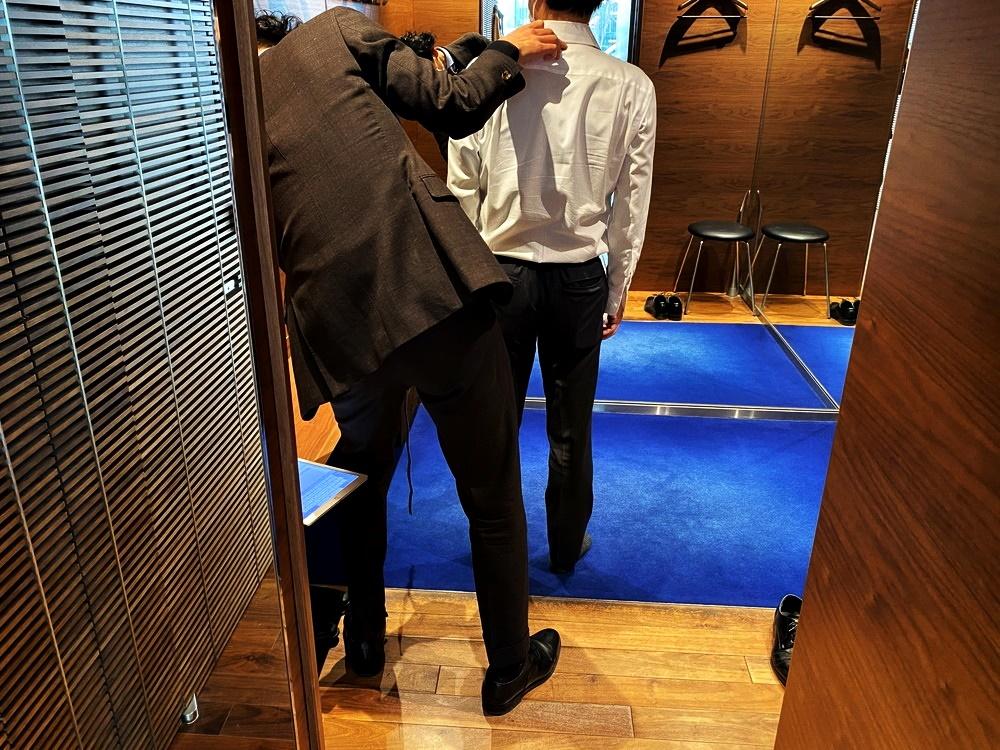 DIFFERENCE(ディファレンス) オーダースーツ作り テーラーによる上半身の採寸