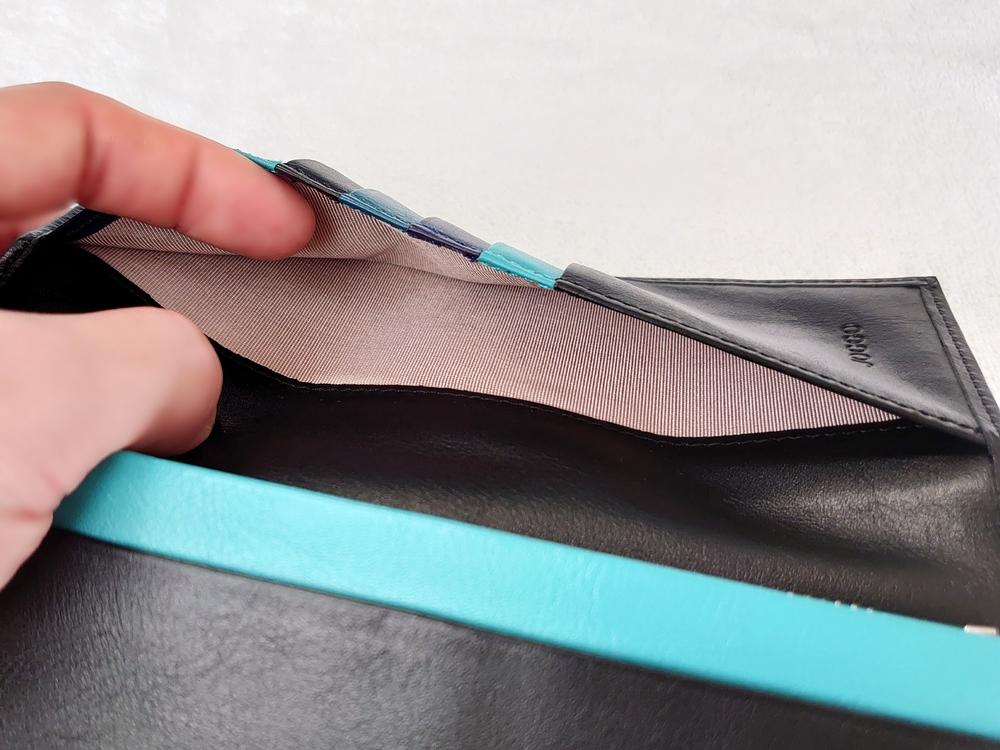 スリム長財布(カード収納13段)ブラック レビュー フリーポケット④ かぶせ部分 JOGGO(ジョッゴ)