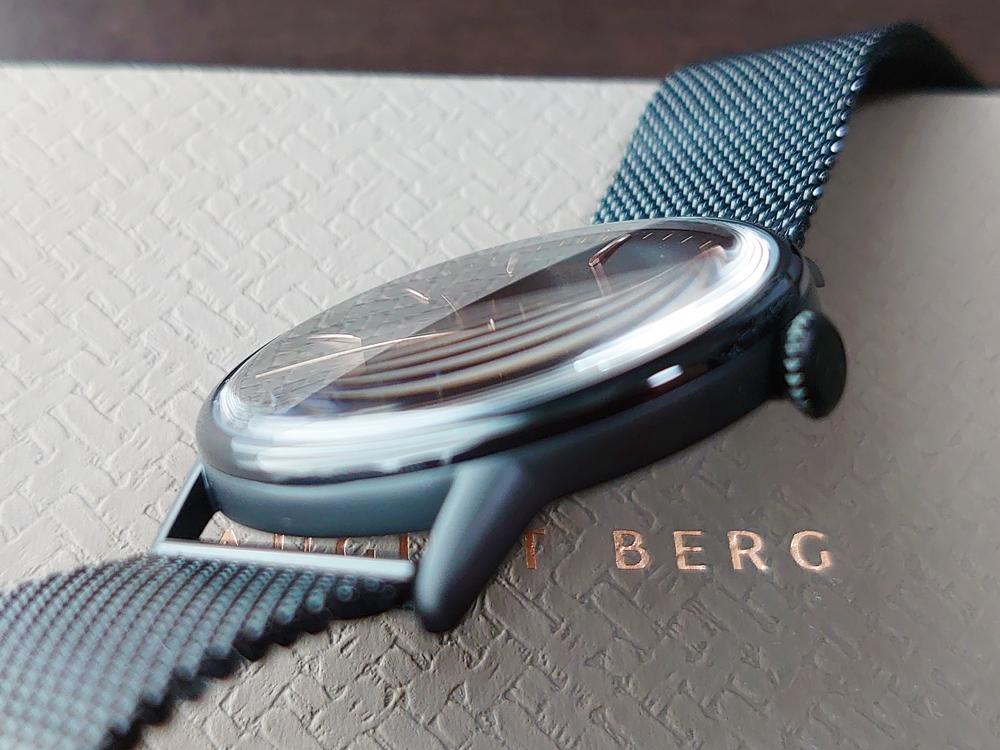 SERENITY(セレニティ)Noir Black(ノワール ブラック)40mm ブラックメッシュ August Berg(オーガスト・バーグ)サファイアクリスタルガラス