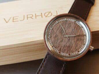 VEJRHØJ(ヴェアホイ)ARCHシリーズ 42mm 天然のくるみの木 「ARCH 01」 シルバー レビュー カスタムファッションマガジン