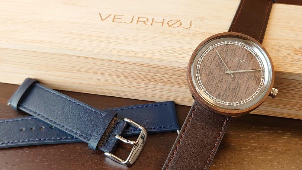 ARCHシリーズ 42mm 天然のくるみの木 「ARCH 01」シルバー ブラウンレザー ストラップ VEJRHØJ(ヴェアホイ)腕時計レビュー 交換用ストラップ ミッドナイトブルーレザー