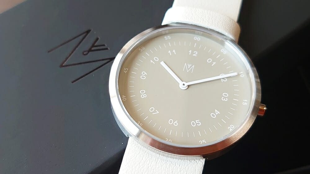 SMOKE GREEN OFFWHITE 40mm スモークグリーン(MV1001MPIGOW)ARTISANシリーズ MAVEN WATCHES(マベンウォッチズ)腕時計レビュー カスタムファッションマガジン