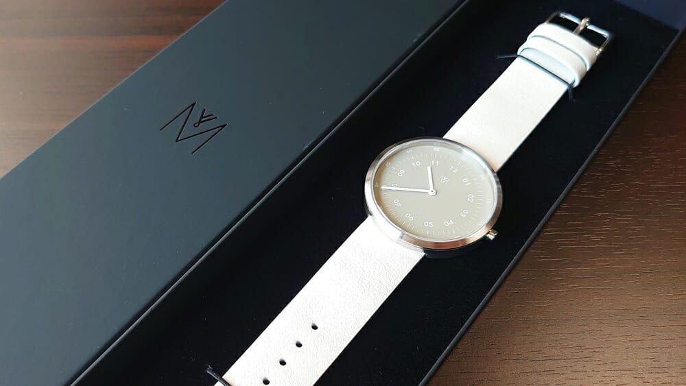 SMOKE GREEN OFFWHITE 40mm スモークグリーン(MV1001MPIGOW)ARTISANシリーズ MAVEN WATCHES(マベンウォッチズ)腕時計レビュー