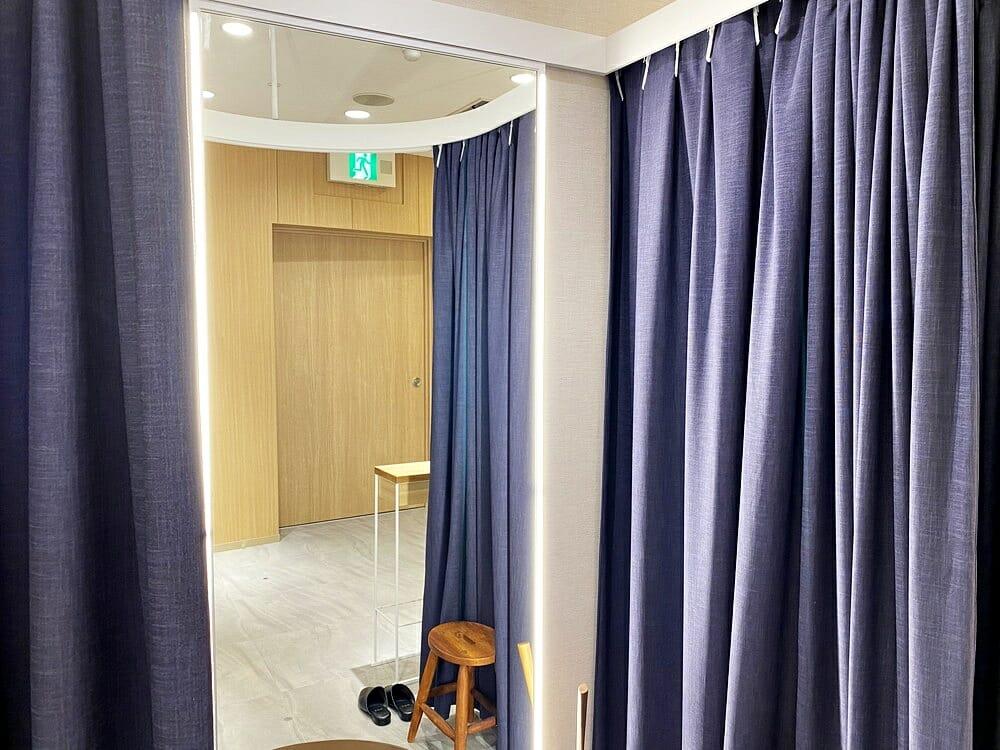 FABRIC TOKYO(ファブリックトウキョウ) 新宿店 試着室の鏡ライト