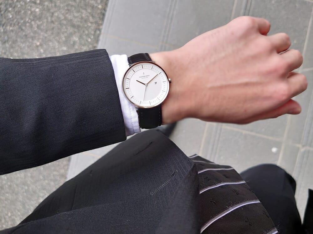 ビジネス腕時計 ビジネスマン スーツ Nordgreen ノードグリーン フィロソファ カスタムファッションマガジン