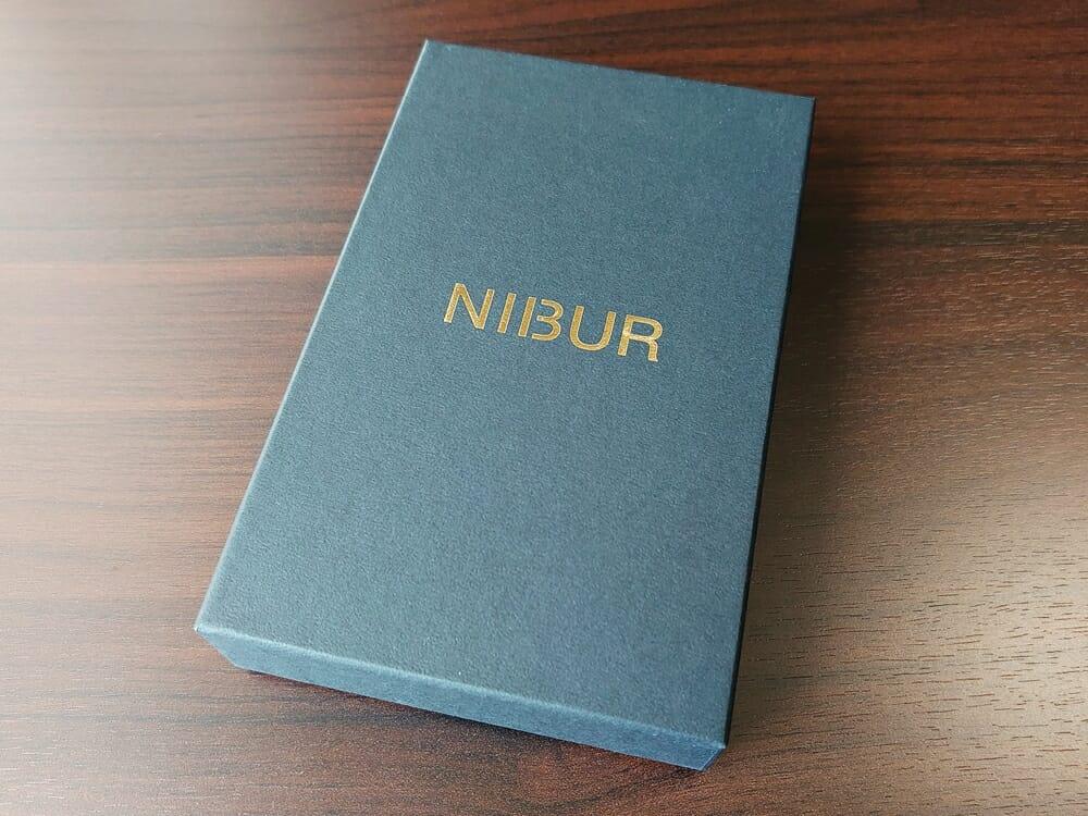 リスシオ ショート財布「Black x Red」NIBUR(ニブール)Mens Leather Store(メンズレザーストア)パッケージング