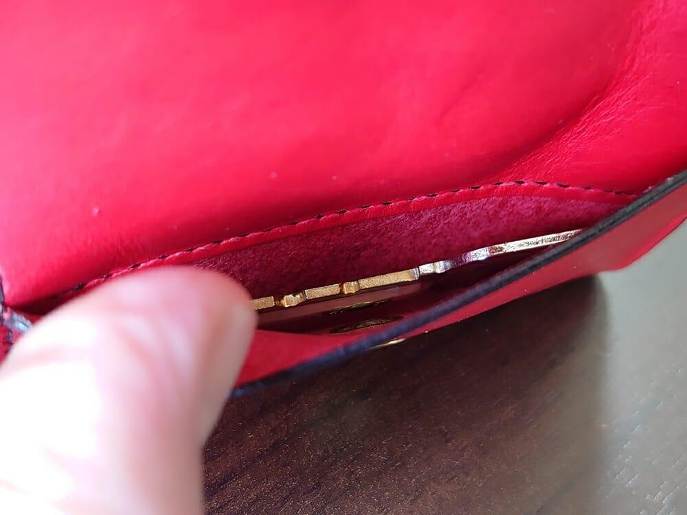リスシオ ショート財布「Black x Red」NIBUR(ニブール)Mens Leather Store(メンズレザーストア)マルチポケット 使い勝手 鍵入れとして使う 2