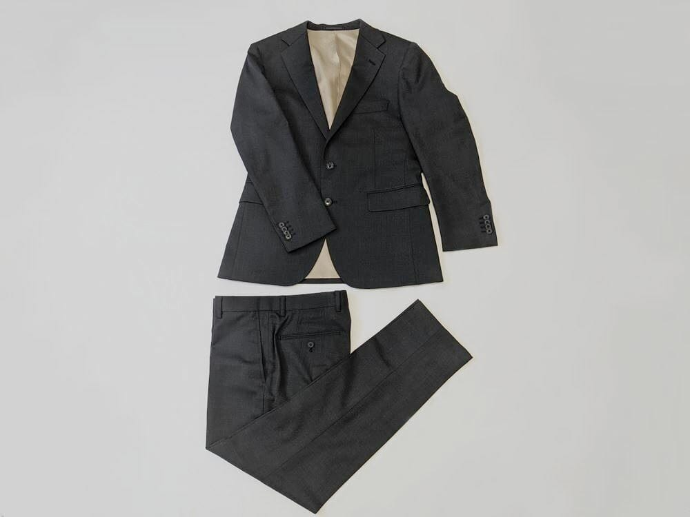 FABRICTOKYOのスーツ