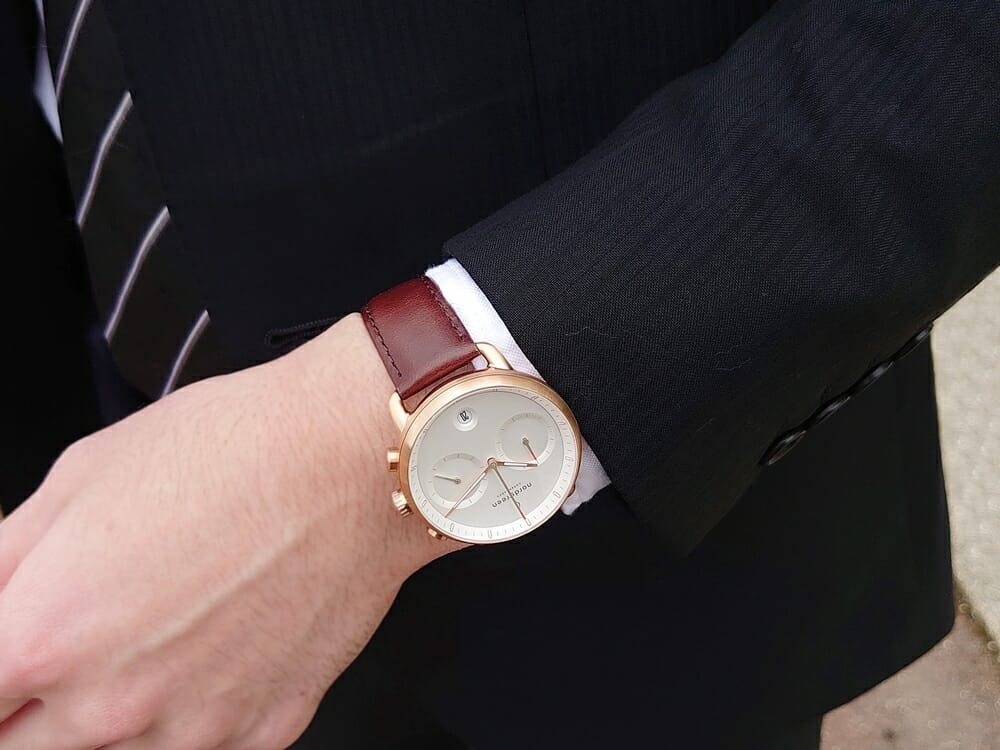 ビジネス腕時計 ビジネスマン スーツ Nordgreen ノードグリーン Pioneer パイオニア 着用2 カスタムファッションマガジン