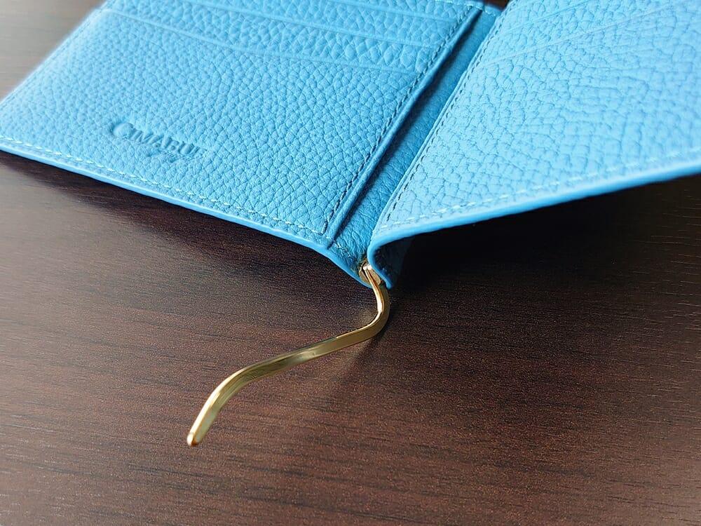 シュランケンカーフ マネークリップ(Blue)CIMABUE(チマブエ)Mens Leather Store(メンズレザーストア)マネークリップ 全開の状態(固定箇所:180度)