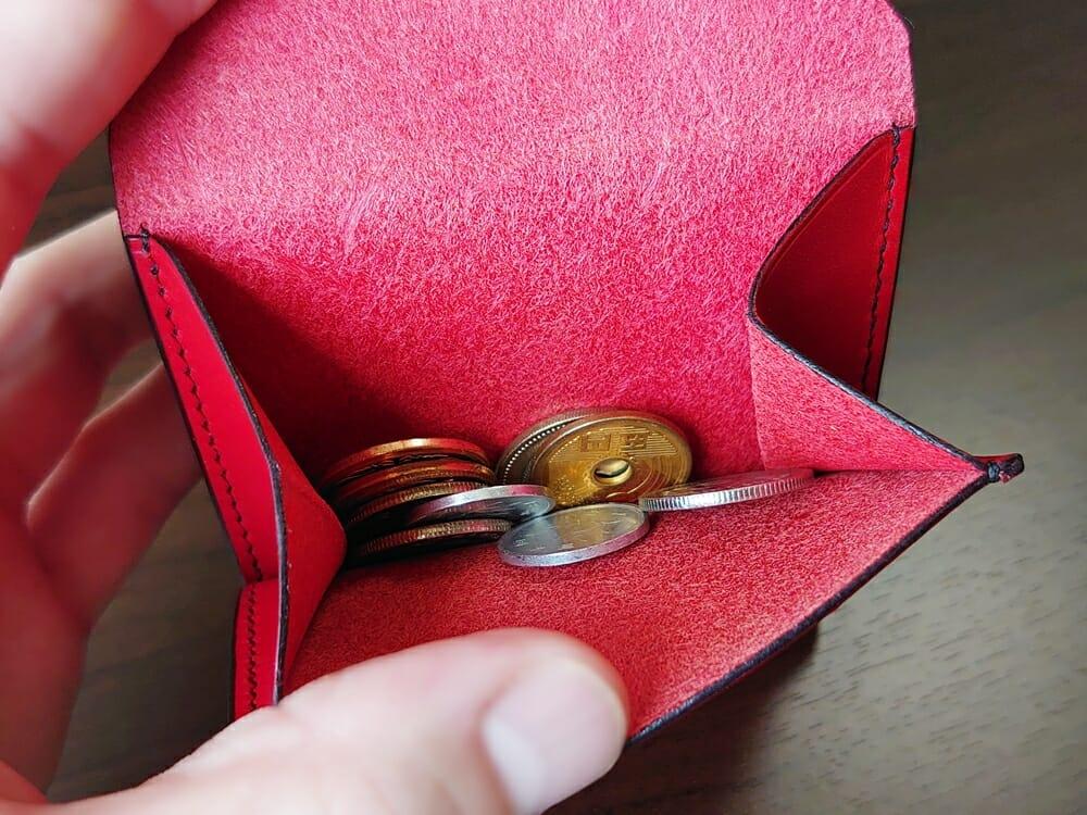 リスシオ ショート財布「Black x Red」NIBUR(ニブール)Mens Leather Store(メンズレザーストア)小銭入れの使い勝手