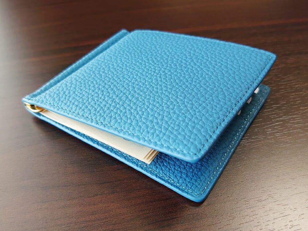 シュランケンカーフ マネークリップ(Blue)CIMABUE(チマブエ)Mens Leather Store(メンズレザーストア)カードと紙幣を入れた財布の厚み 1