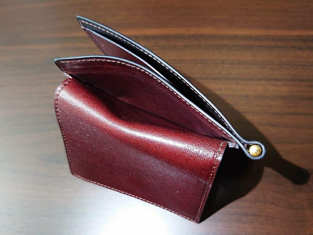 手揉みレザー マネークリップ コインケース付き LONESOME(ロンサム)Mens Leather Store(メンズレザーストア)マルチポケット 小銭入れ背面