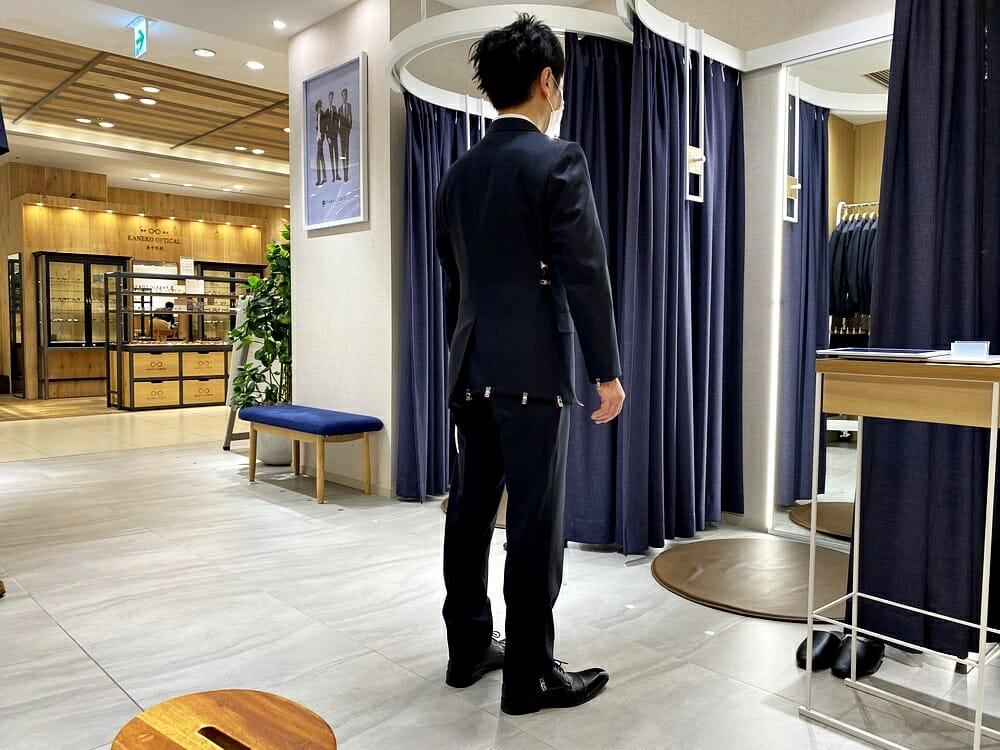 FABRIC TOKYO(ファブリックトウキョウ) 採寸 ジャケットをクリップで理想のシルエットに調整