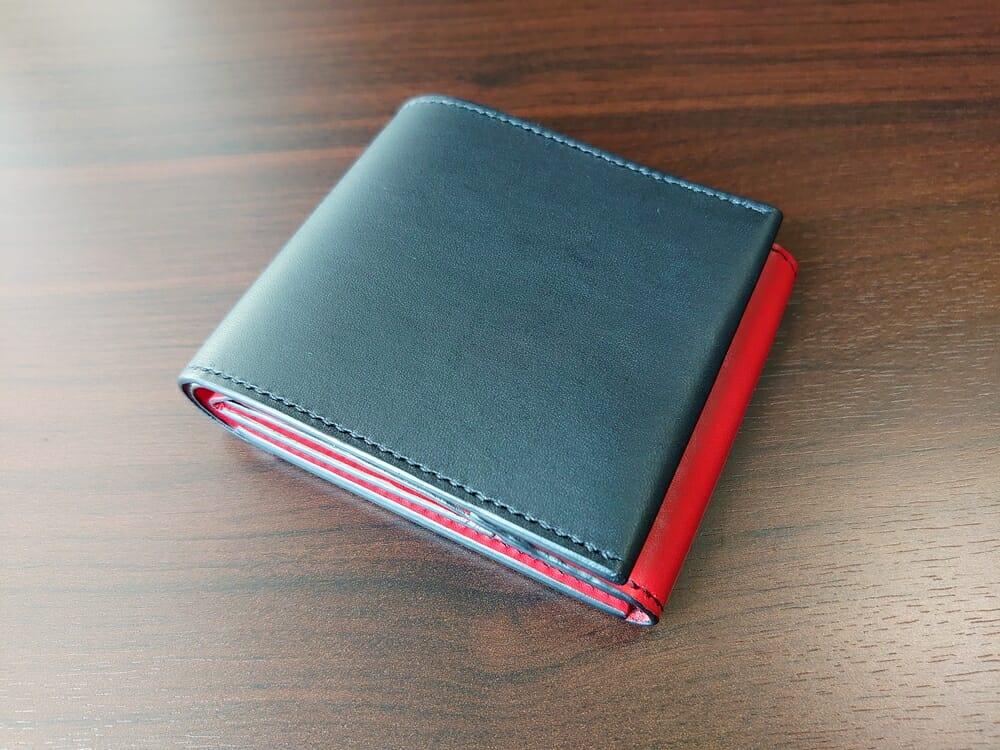 リスシオ ショート財布「Black x Red」NIBUR(ニブール)Mens Leather Store(メンズレザーストア)財布 外装