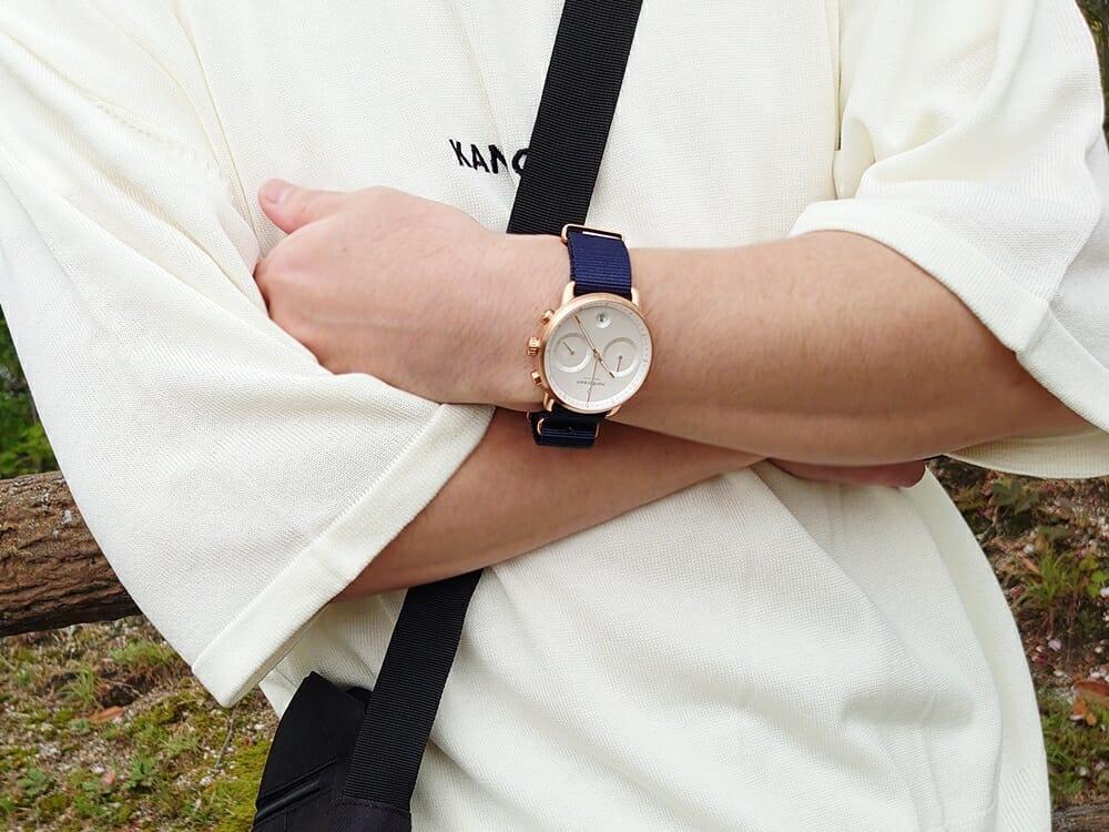 20代メンズおすすめ腕時計 Nordgreen ノードグリーン Pioneer パイオニア ネイビーナイロン着用 カスタムファッションマガジン