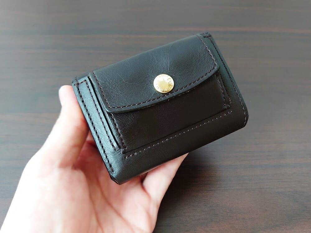 LIFE POCKET(ライフポケット)MiniWallet3 ミニウォレット3 espresso エスプレッソ 使い勝手 収納後の財布の厚み2