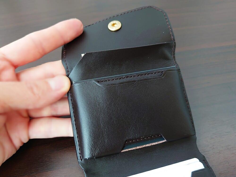 LIFE POCKET(ライフポケット)MiniWallet3 ミニウォレット3 espresso エスプレッソ 使い勝手 中央ポケット1