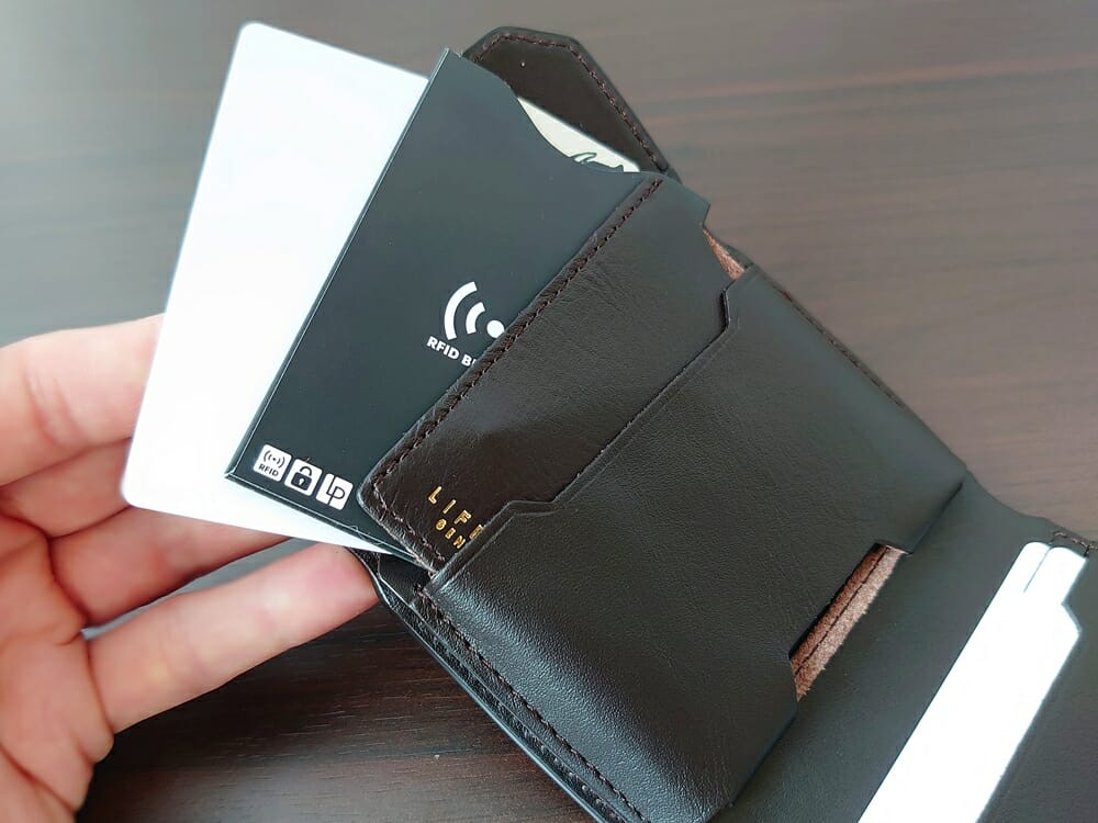 LIFE POCKET(ライフポケット)MiniWallet3 ミニウォレット3 espresso エスプレッソ 使い勝手 中央ポケット2