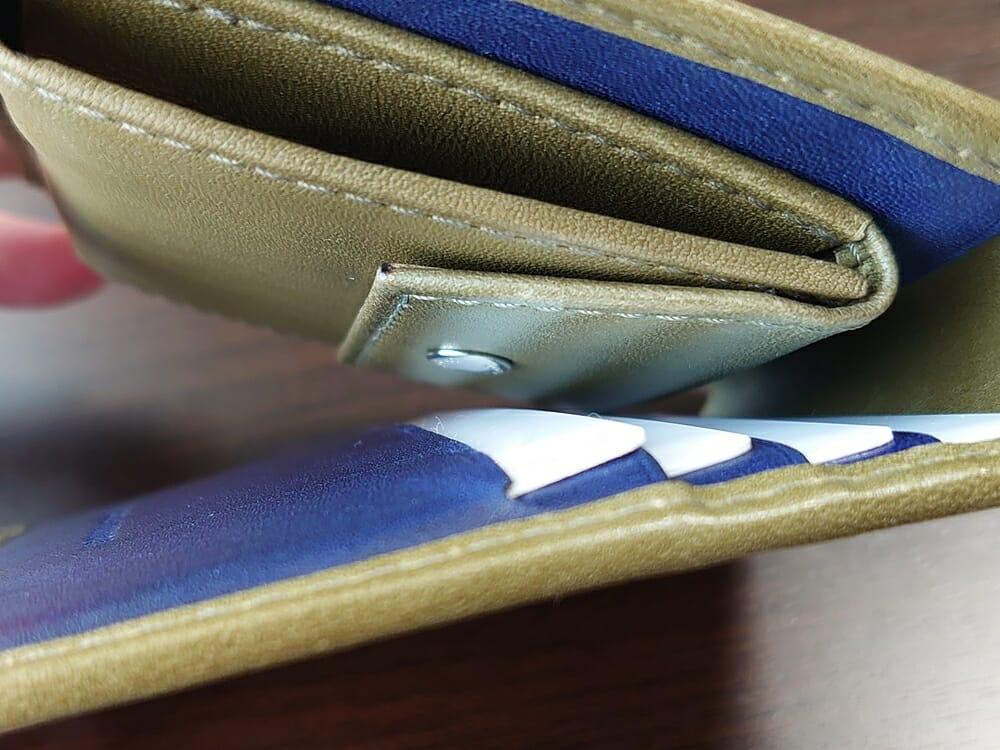 JOGGO(ジョッゴ)ENISHI 2つ折り財布 姫路レザー(グリーン、ブルー)小銭入れのホックがカードに干渉