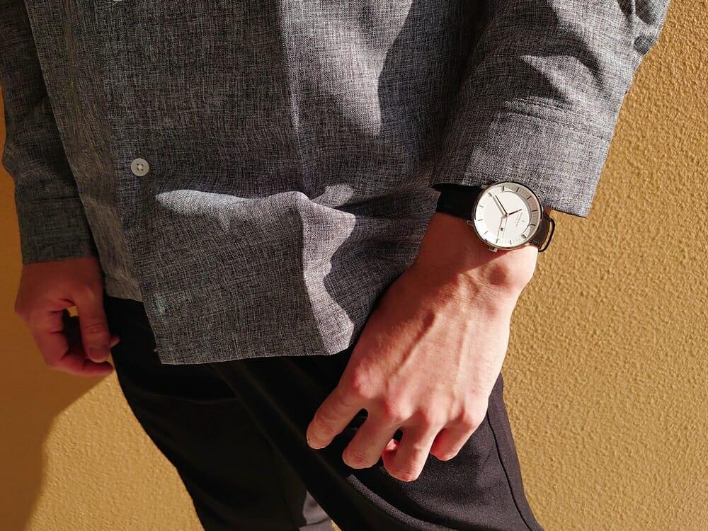 30代男性おすすめメンズ腕時計 Nordgreen ノードグリーン Philosopher フィロソファ 36mm シルバー ホワイトダイアル ブラックレザー カジュアル着用 カスタムファッションマガジン